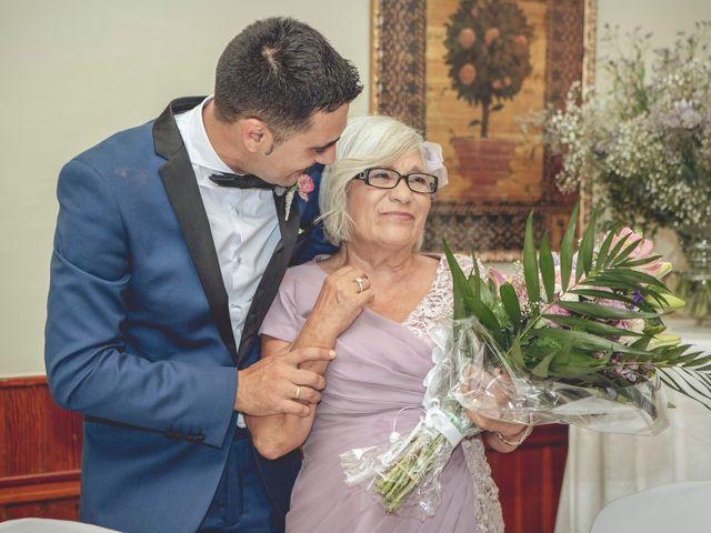 La boda de Cristina y Raúl en Crevillente, Alicante 32