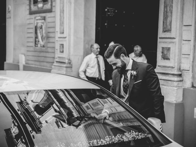 La boda de Abraham y Rocío en Sevilla, Sevilla 64