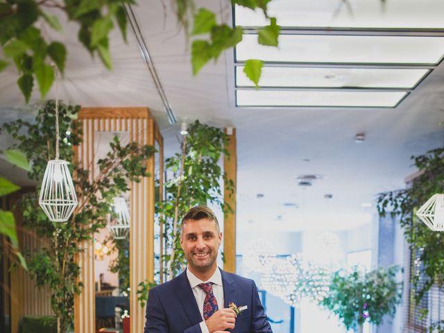 La boda de Victor y Noemí en Torrelodones, Madrid 35