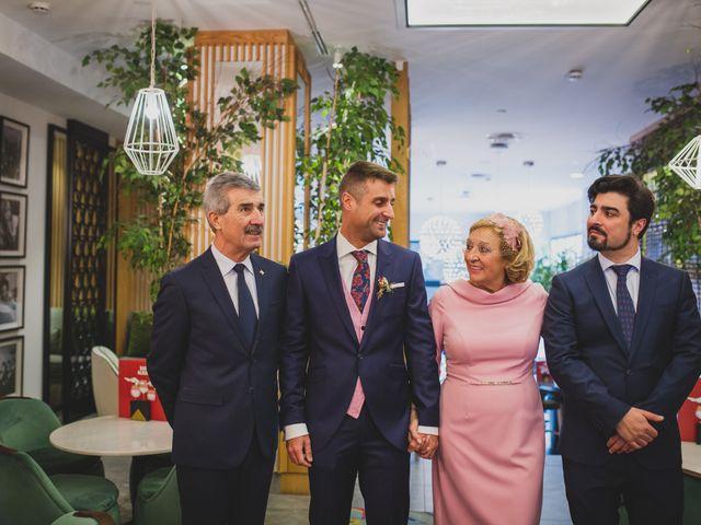 La boda de Victor y Noemí en Torrelodones, Madrid 45