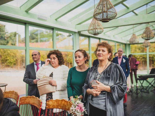 La boda de Victor y Noemí en Torrelodones, Madrid 208