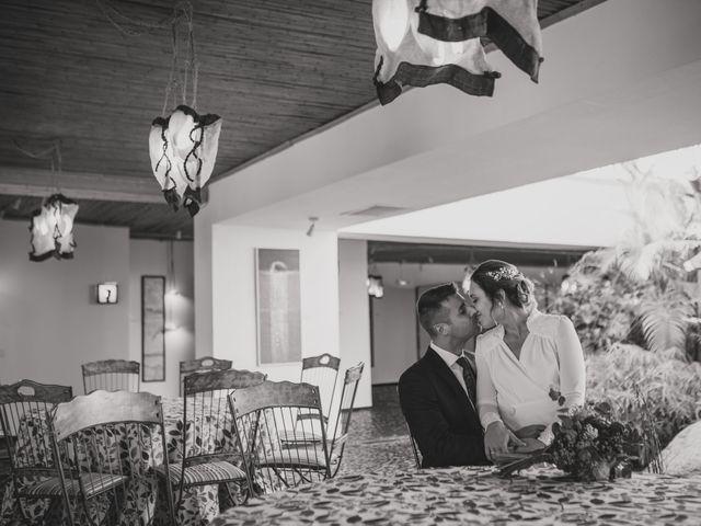 La boda de Victor y Noemí en Torrelodones, Madrid 276