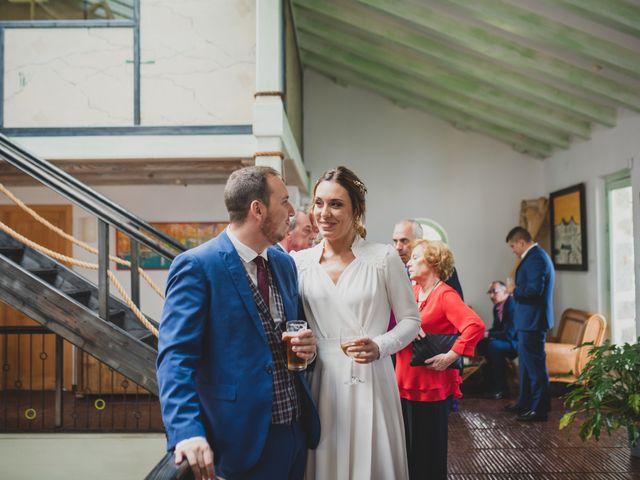 La boda de Victor y Noemí en Torrelodones, Madrid 304
