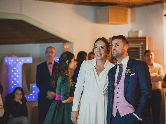 La boda de Victor y Noemí en Torrelodones, Madrid 382