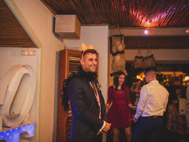 La boda de Victor y Noemí en Torrelodones, Madrid 428