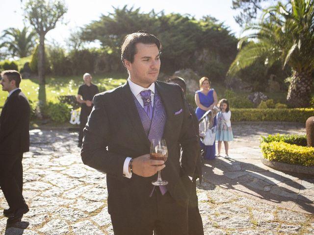 La boda de Alber y San en O Grove (Resto Parroquia), Pontevedra 13