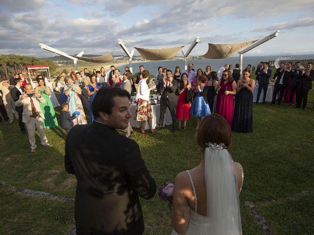 La boda de Alber y San en O Grove (Resto Parroquia), Pontevedra 34
