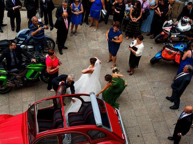 La boda de Oscar y Pati en Viveiro (Casco Urbano), Lugo 37