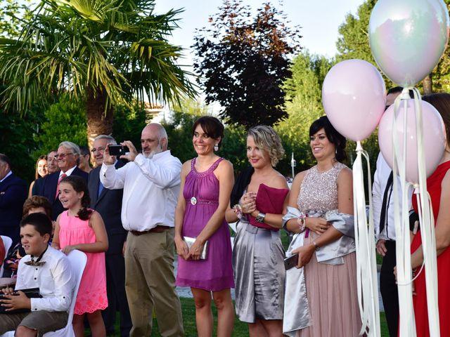 La boda de Javi y Saray en León, León 10