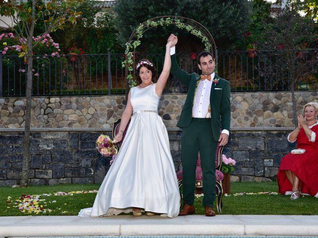 La boda de Javi y Saray en León, León 12