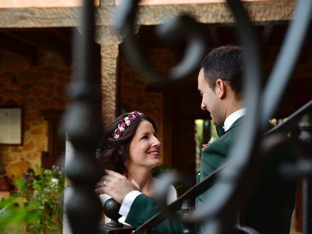 La boda de Javi y Saray en León, León 13