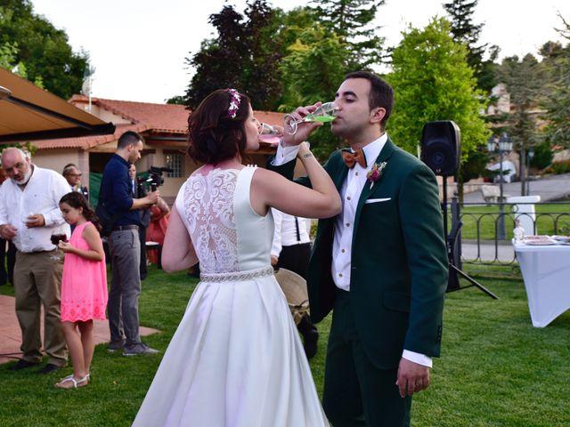 La boda de Javi y Saray en León, León 20