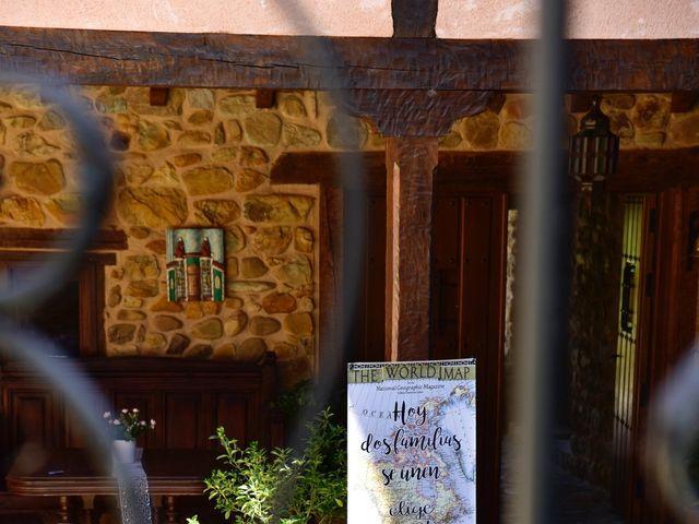 La boda de Javi y Saray en León, León 22