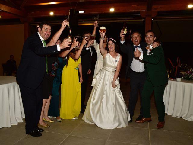 La boda de Javi y Saray en León, León 25