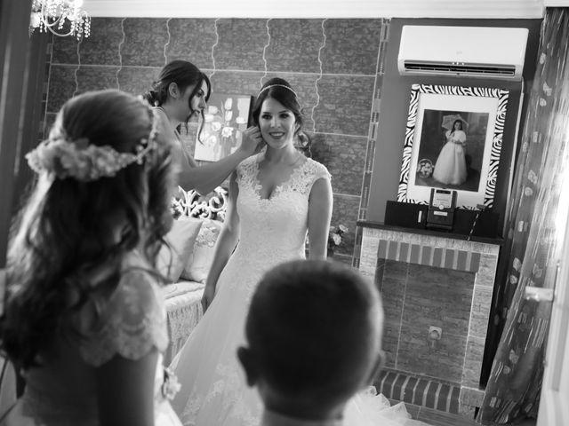 La boda de Miguel y Beli en Alhaurin El Grande, Málaga 24