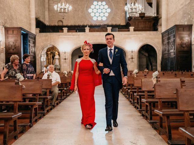 La boda de Carlos y Isabel en Caracuel De Calatrava, Ciudad Real 31