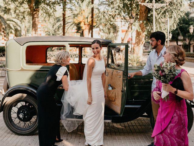 La boda de Carlos y Isabel en Caracuel De Calatrava, Ciudad Real 32