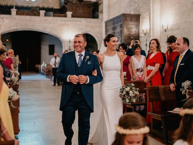 La boda de Carlos y Isabel en Caracuel De Calatrava, Ciudad Real 38