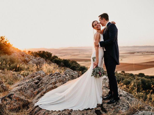 La boda de Carlos y Isabel en Caracuel De Calatrava, Ciudad Real 1