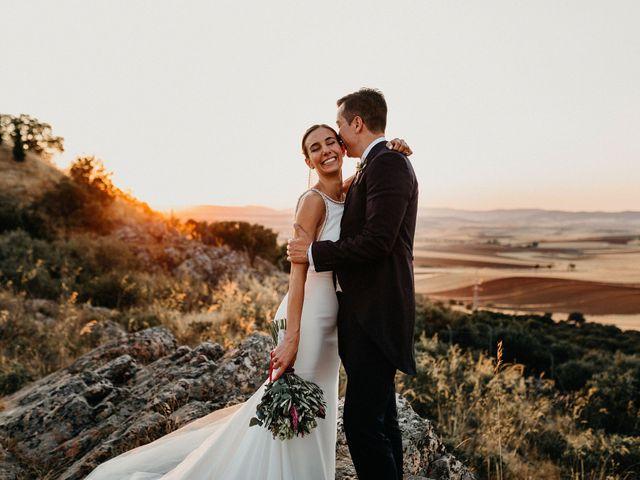 La boda de Carlos y Isabel en Caracuel De Calatrava, Ciudad Real 71