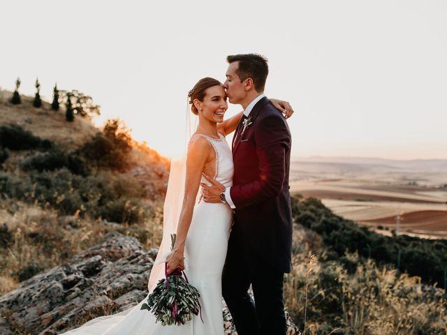 La boda de Carlos y Isabel en Caracuel De Calatrava, Ciudad Real 81