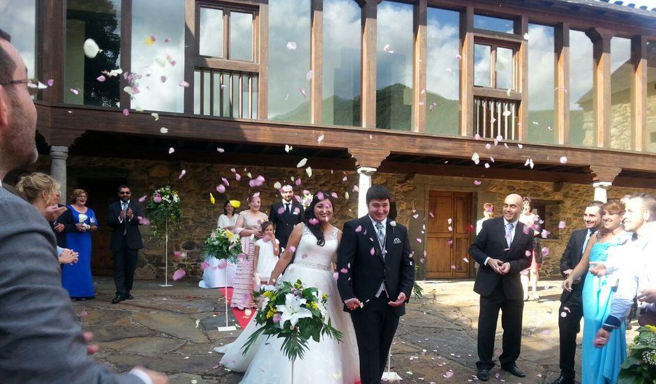 La boda de Carla y David en Villablino, León