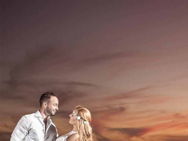 La boda de David y Keka en Torre Del Mar, Málaga 19