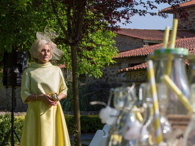 La boda de Javi y Laura en A Coruña, A Coruña 20