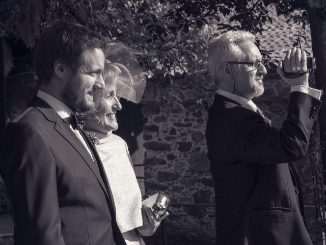 La boda de Javi y Laura en A Coruña, A Coruña 30