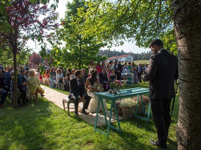 La boda de Javi y Laura en A Coruña, A Coruña 34