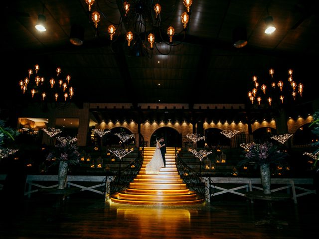La boda de Miguel y Maite en Miraflores De La Sierra, Madrid 25