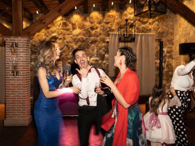 La boda de Miguel y Maite en Miraflores De La Sierra, Madrid 32