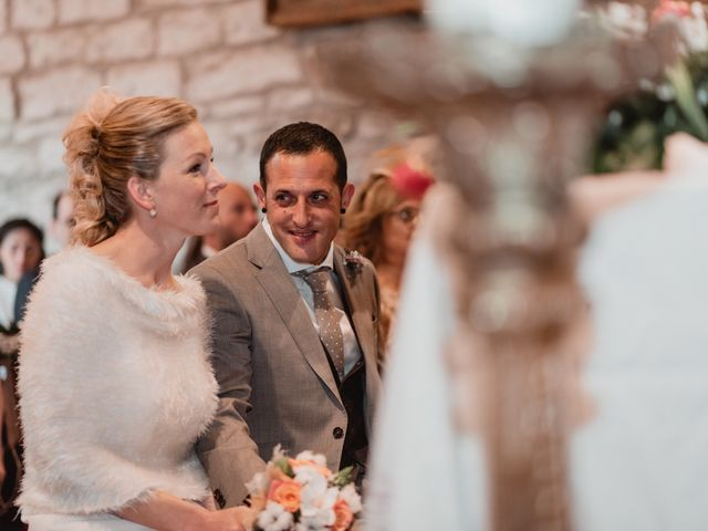 La boda de Iker y Maru en Otazu, Álava 41