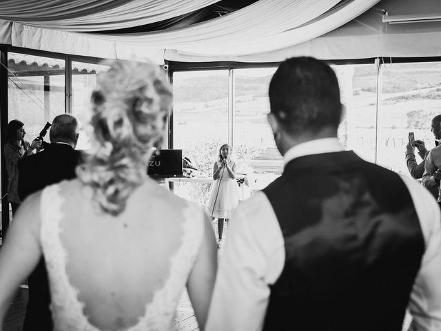La boda de Iker y Maru en Otazu, Álava 106
