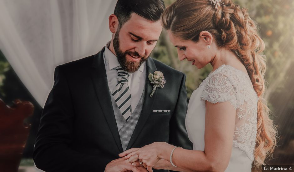 La boda de David y Marta en L' Ènova, Valencia