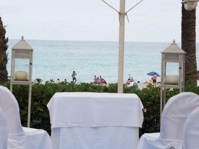 La boda de Víctor y Natacha en La/villajoyosa Vila Joiosa, Alicante 8