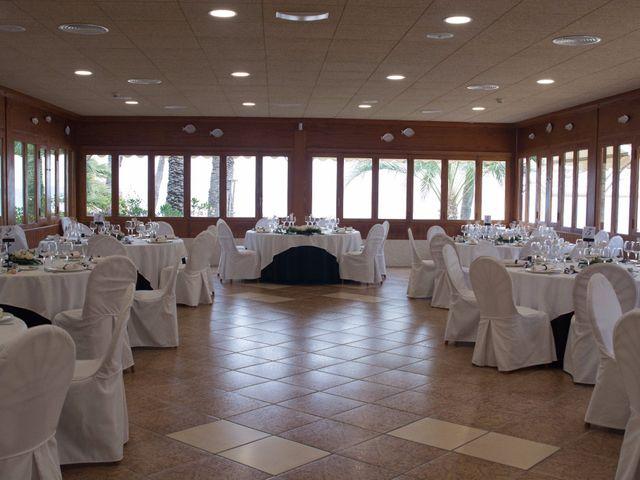 La boda de Víctor y Natacha en La/villajoyosa Vila Joiosa, Alicante 15