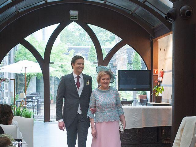 La boda de Sergio y Lorena en Algorta, Vizcaya 32