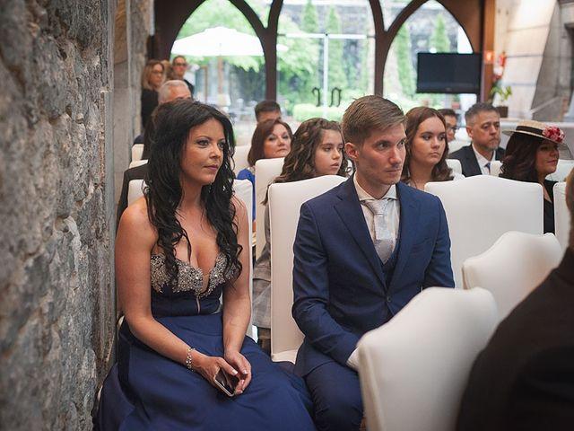 La boda de Sergio y Lorena en Algorta, Vizcaya 44