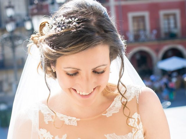 La boda de Jonatan y Yaiza en León, León 6