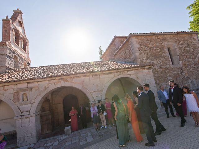 La boda de Jonatan y Yaiza en León, León 7