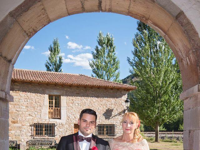La boda de Jonatan y Yaiza en León, León 9