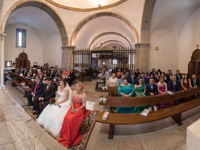 La boda de Jonatan y Yaiza en León, León 12