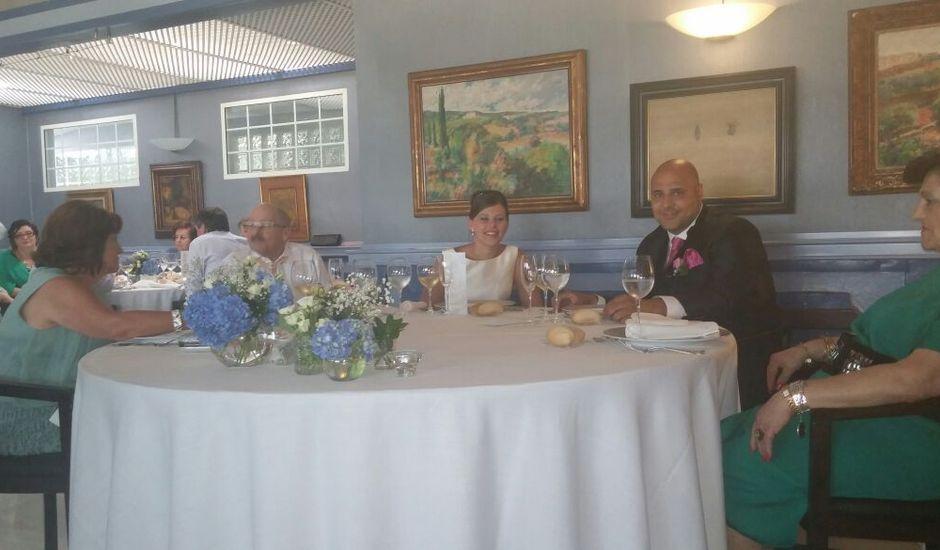 La boda de Titi  y María  en Piedras Blancas, Asturias