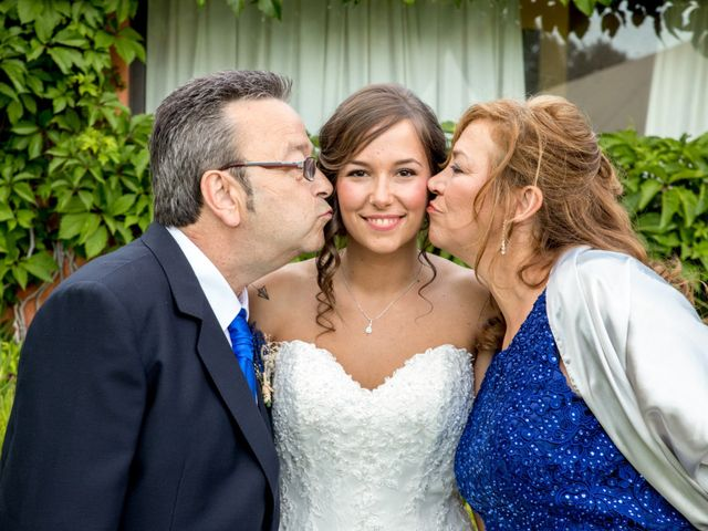 La boda de Alex y Maria en Almudevar, Huesca 23