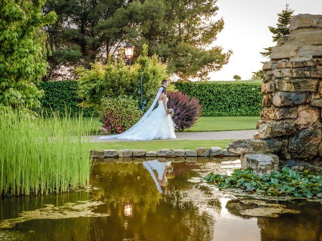 La boda de Alex y Maria en Almudevar, Huesca 26