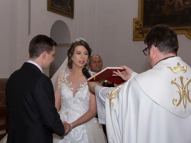 La boda de Araceli y Miguel Ángel en Lucena, Córdoba 14