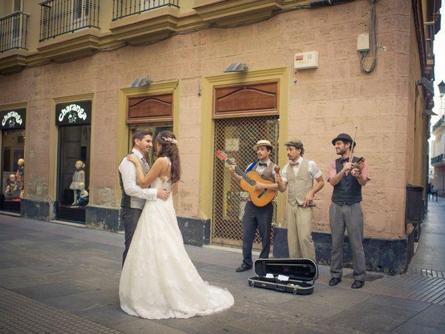 La boda de Antonio y Nazaret en Cádiz, Cádiz 31