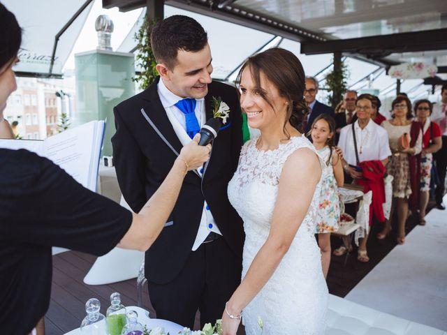 La boda de Diego y Simoni en Madrid, Madrid 28