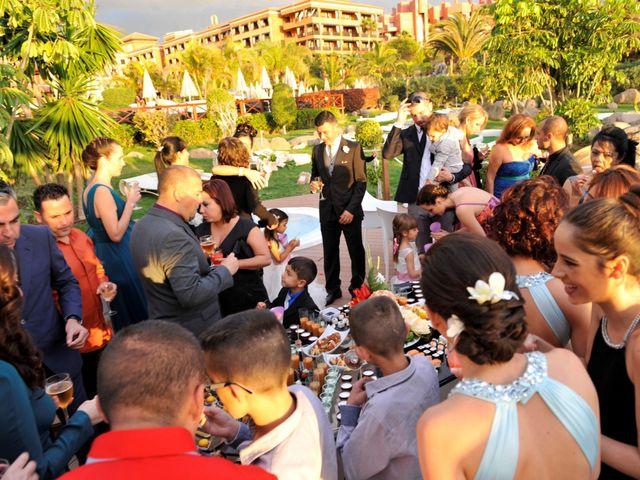 La boda de Hugo y Deborah en Adeje, Santa Cruz de Tenerife 10
